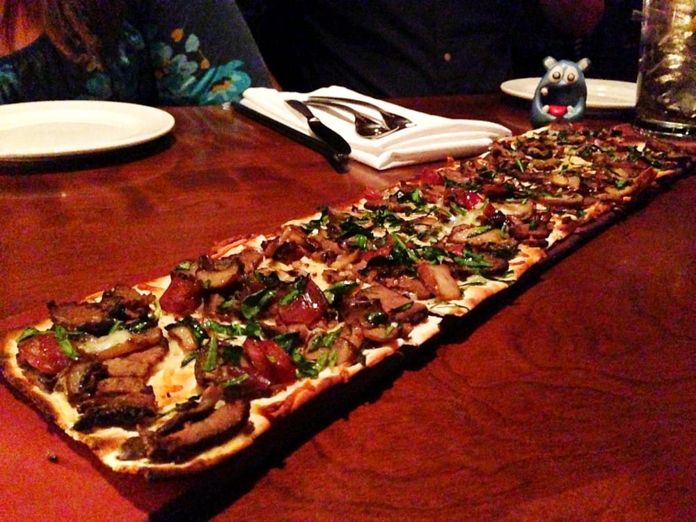 Steak & Cremini Mushroom Flatbread from Seasons 52